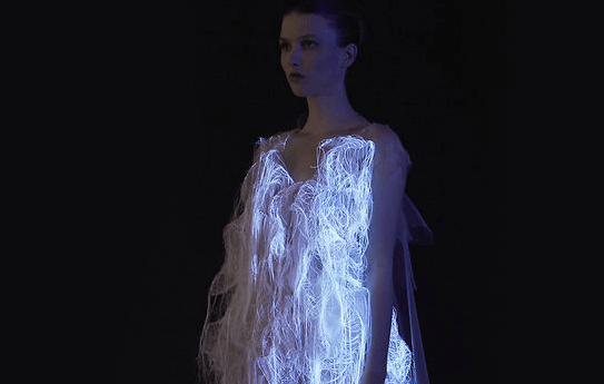Interactive Dress: Glowes When Someone's Looking
