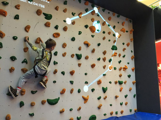 augmented-climbing-wall